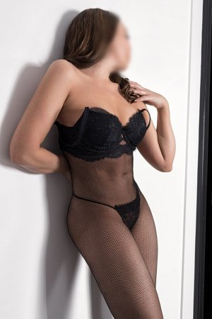 Shahinez sex club in Ansonia, incall escort