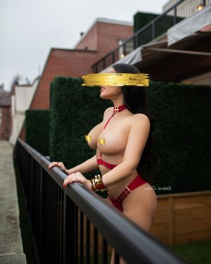 Lorencia escort girl in Brookside